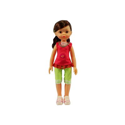 Кукла в шортах и кофте